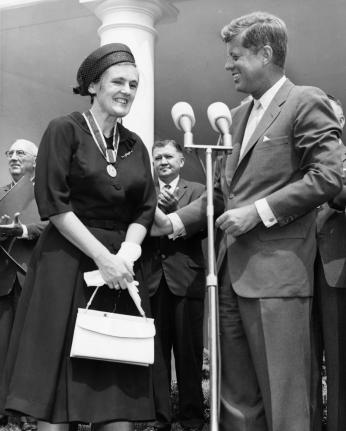 Frances Kelsey was awarded the President's Award for Distinguished Federal Civilian Service by President John F. Kennedy for her refusal, as an FDA reviewer, to authorize thalidomide on the US market.