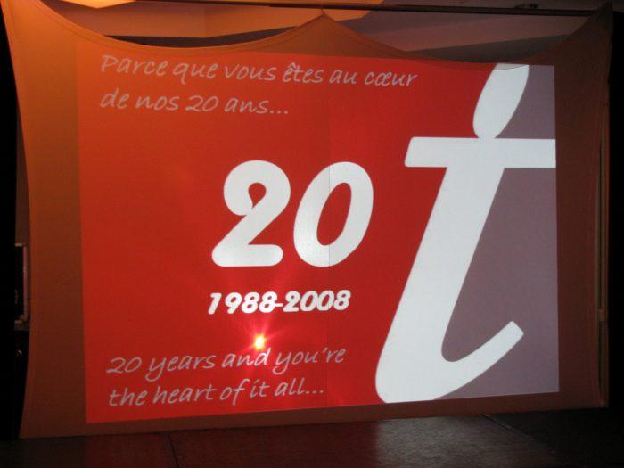Bannière du 20ième anniversaire de l'ACVT : parce que vous êtes au coeur de nos 20 ans